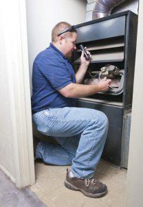 furnace-service-maintenance-repair-tech